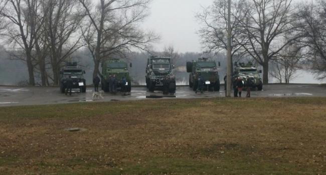 Авакову и Деканоидзе КрАЗ покажет свою военную технику