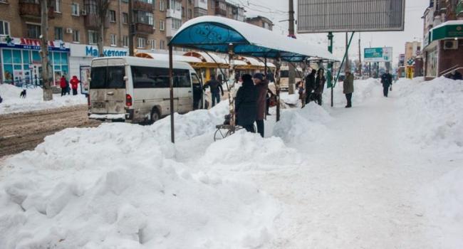 Кременчугские маршрутчики жалуются на плохую уборку дорог и зауженные проезжие части
