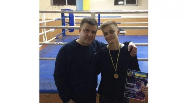 Сын экс-кандидата в мэры Кременчуга стал чемпионом области по тайскому боксу