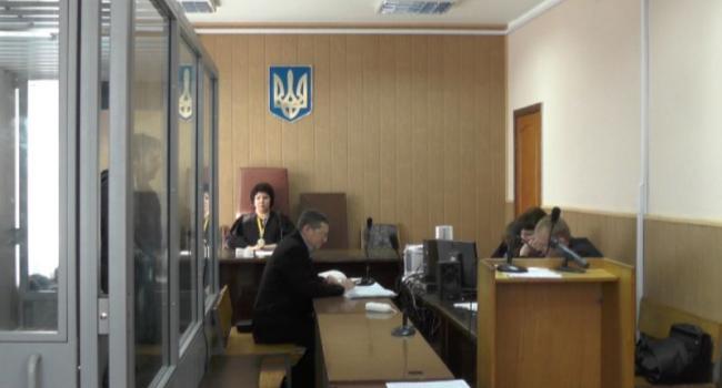Подозреваемым в убийстве О.Бабаева снова продлили арест на два месяца