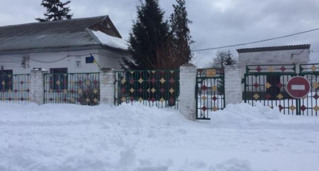 На Реевке из-за заснеженных дорог сегодня не открылся детский сад