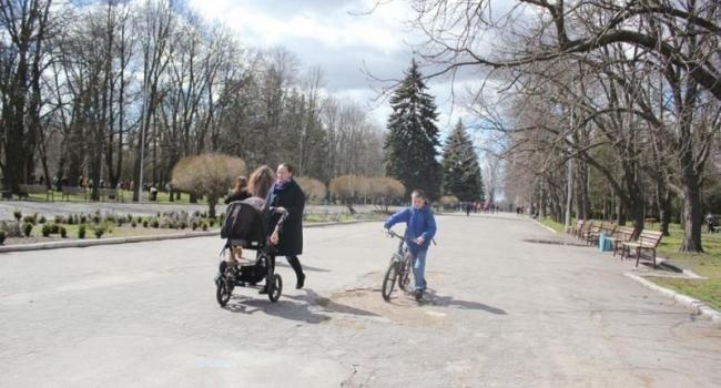 С центральной аллеи Приднепровского парка исчезнет асфальт