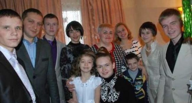В Кременчуге ликвидируют детский дом семейного типа Анны Кондрик