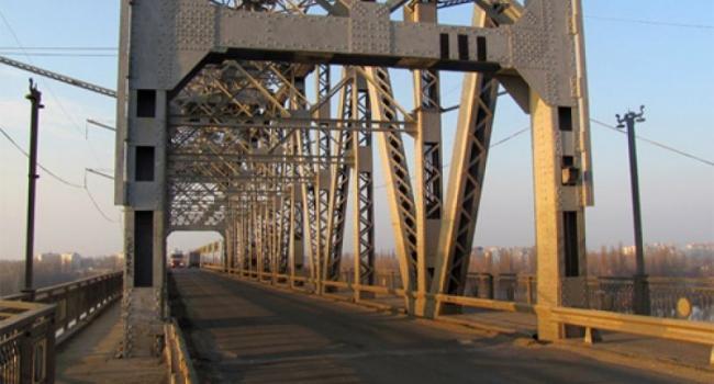 На Крюковском мосту сегодня ограничено движение