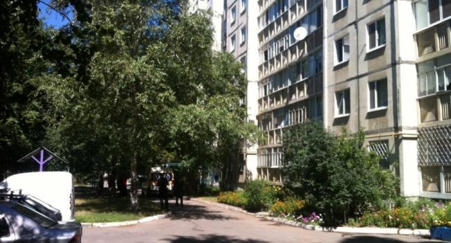 На Молодежном разбился мужчина, выпав из окна 7 этажа