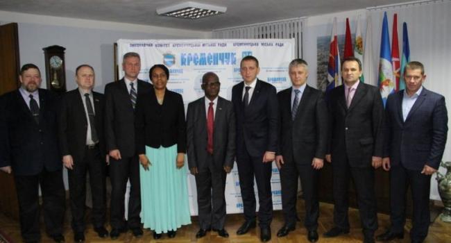Нигерийские дипломаты «полетали» на тренажерах кременчугской компании