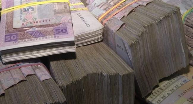 На бульвар «имени Холода» дали 3 млн. грн., а на мемориал «Вечно Живым» - 4 млн. грн.