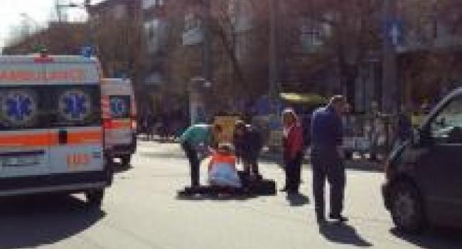 Возле мемориала «Вечно живым» авто сбило женщину