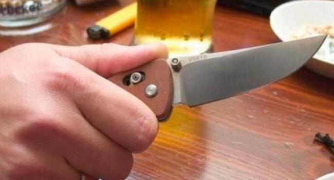 Бытовая ссора закончилась ножевым ранением