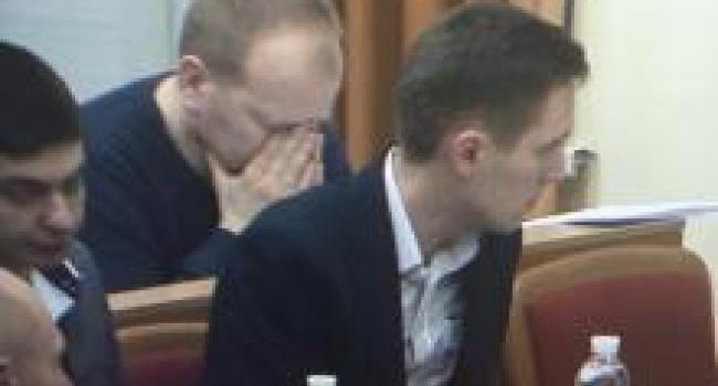 Головач на сессии горсовета устроил молебен?