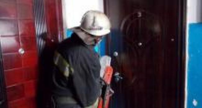 Кременчугские спасатели дважды вскрывали двери квартир