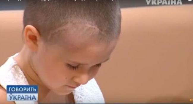 У травмированной в детсаду девочки, мозговая ткань вываливается из черепа