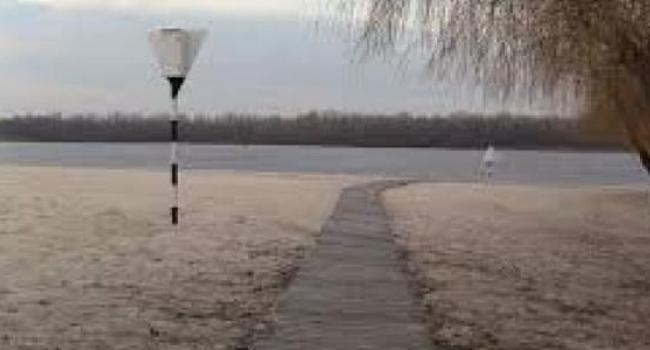 На городском пляже появится место купания для инвалидов