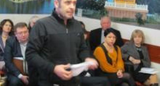Активист Полюхович потребовал от мэра Малецкого дать самому себе оценку за безделье