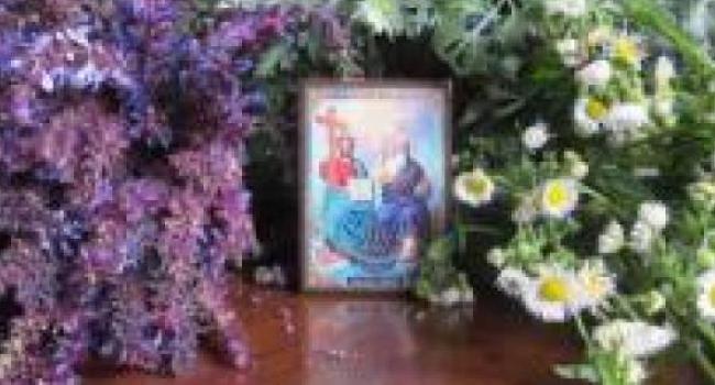 Православные сегодня отмечают День святой Троицы