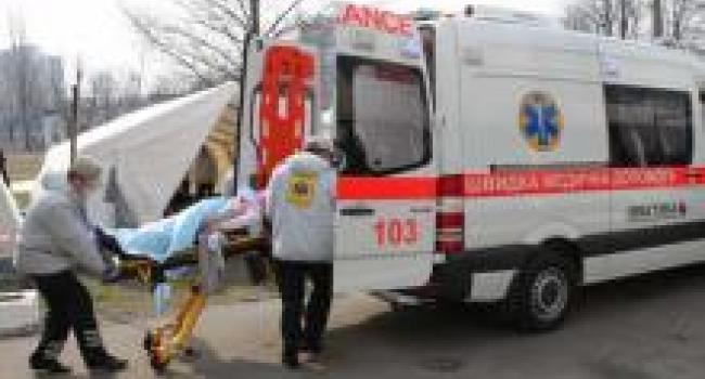В Кременчуге подросток упал с крыши пристройки