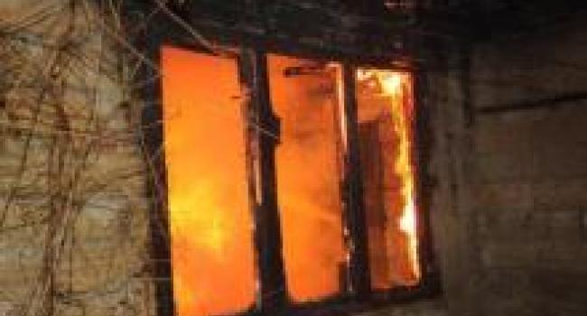 В Кременчуге пожарные спасли частный дом и его жителей