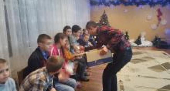 Дмитро Кавунник: «За дорученням Святого Миколая вітаємо діток»