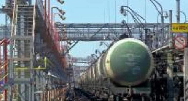Кременчугский НПЗ начал доставку казахской нефти танкерами