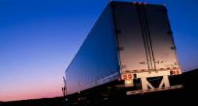С 1 июня грузовики будут ездить только ночью