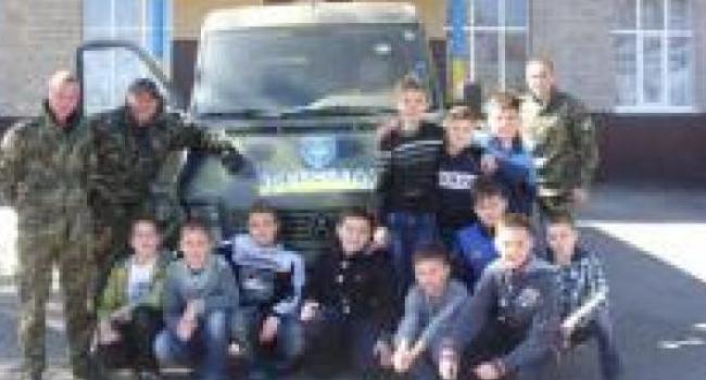 Бойцы роты особого назначения «Кременчуг» встретились со школьниками