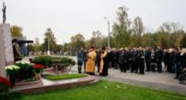 Память убитого мэра Бабаева почтили панихидой