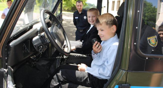 Під Кременчукомдіти відчули себе поліцейськими