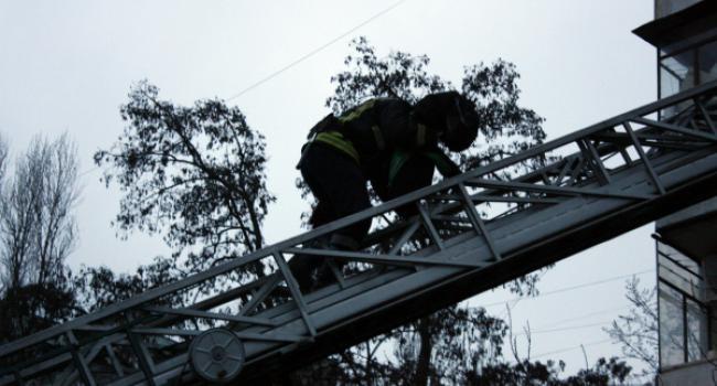 В Крюкове 9-летний ребенок закрылся на балконе