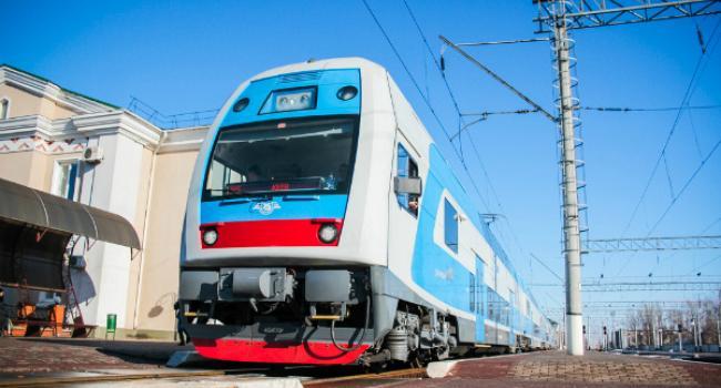 Новое расписание: поезд Кременчуг-Киев-Кременчуг сократит время следования в пути на 1,5 часа