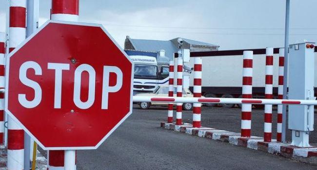 Украина грозит запретить поезда и автобусы в Россию