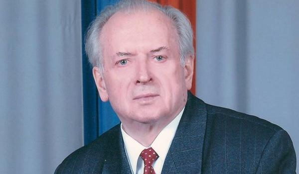 Патріарх кременчуцької медицини Феодосій Провізіон: «Працювати – до самозабуття, боротися – до перемоги!»