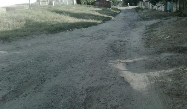 «Як у Середньовіччі: ходимо в темряві і по багнюці», - мешканці 101 кварталу звертаються до депутатів Кременчука