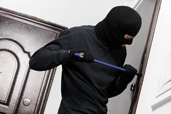 Поліція Прикарпаття застерігає, як захиститися від «непроханих» гостей