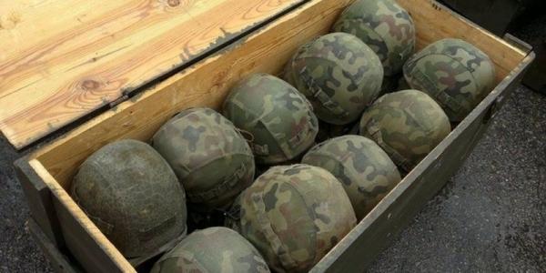 Помощь военным: деньги - в феврале, каски - в апреле