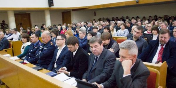 Мэр Малецкий начал работу с «показухи»