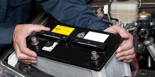 В Кременчуге из микроавтобуса украли аккумуляторы на 75 тыс. грн.