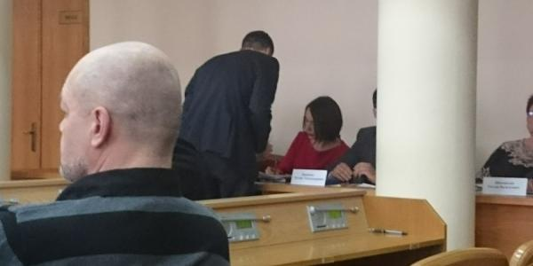 Кременчугским чиновникам, подозреваемым в коррупции, вручили повестки в суд