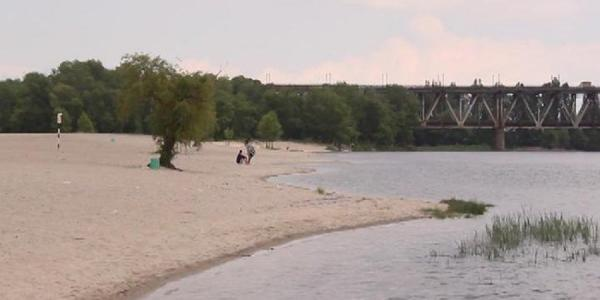 Малецкий возмущен состоянием Центрального пляжа в Кременчуге