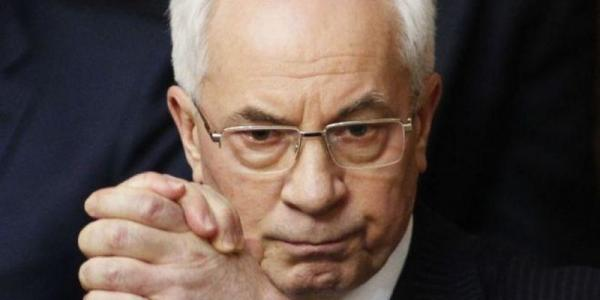 Суд выдал ордер на арест Азарова