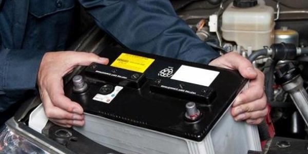 Навигатор и аккумулятор – в Кременчуге воры продолжают совершать кражи из машин