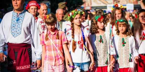 Кременчуг собирается побить собственный рекорд на Параде вышиванок