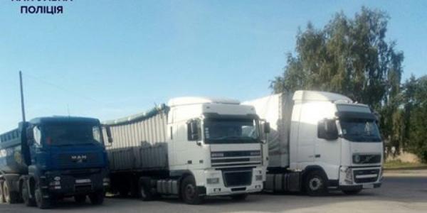 Ежедневно кременчугские патрульные проверяют более двух сотен грузовиков