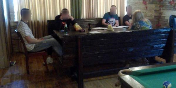 Милиционеры обнаружили в кременчугской бане сводничество