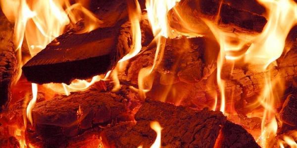 В Кременчуге ночью случился пожар возле в/ч Нацгвардии