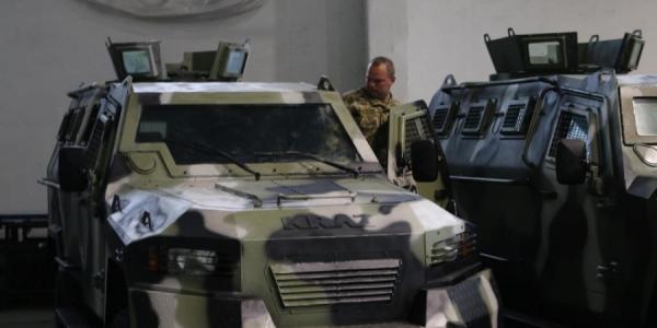 Десантники, где служит Декусар, получат отремонтированный на КрАЗе военный автомобиль