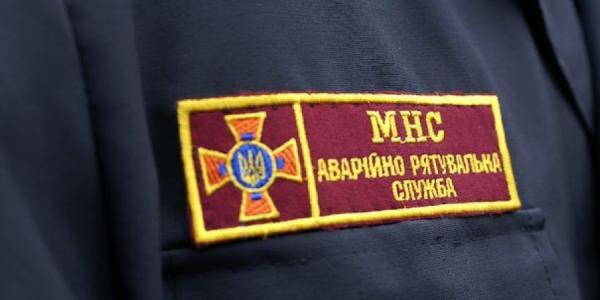 Кременчугские пожарные тушили возгорания в гостинице и автомобиле