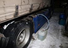 В Кременчуге продолжают опустошать топливные баки фур