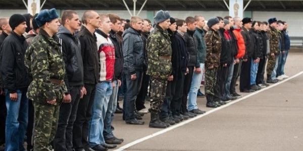 Кременчуг отправит служить 83 солдата-срочника