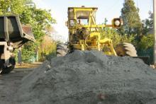 В Крюковском районе продолжается грейдирование дорог
