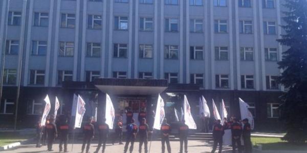 УПДМН снова пикетируют представители «Укртатнфаты»
